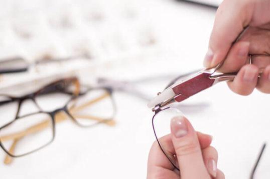Glasses Adj